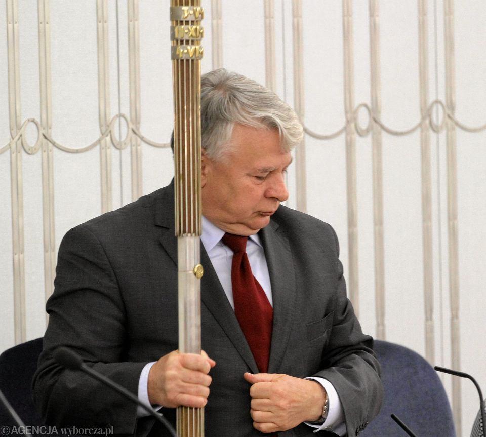 Zdjęcie numer 3 w galerii - Wroński prosi senatorów: Zgódźcie się na referendum. Czemu mam dbać o interes kraju, skoro mój prezydent ma go gdzieś?