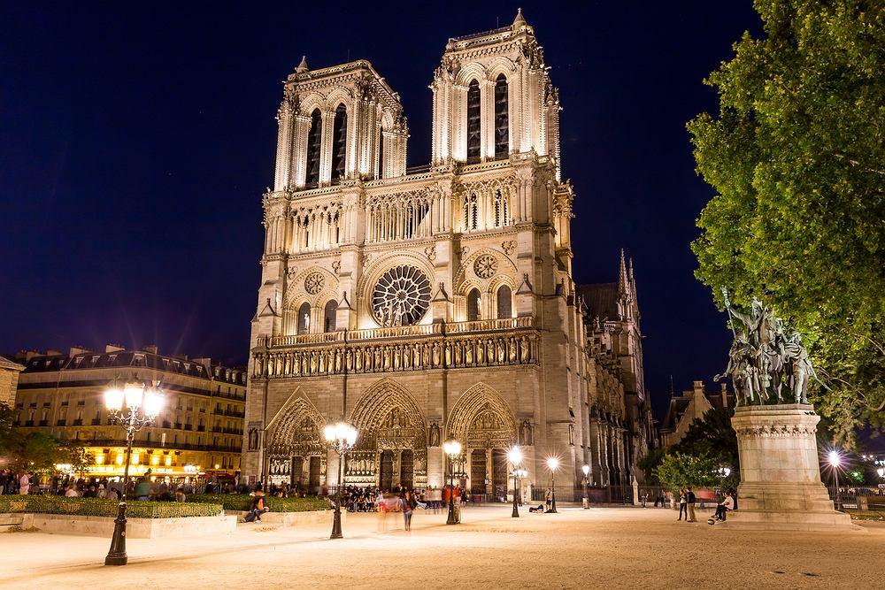 Gotycka katedra Notre-Dame de Paris. Zdjęcie ilustracyjne