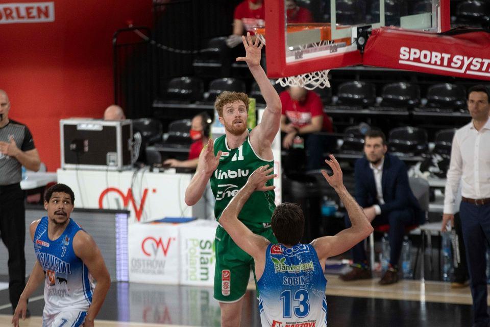 BM Slam Stal Ostrów Wlkp. w finałach Energa Basket Ligi prowadzi z Enea Zastalem Zielona Góra już 3:1. W czwartym meczu gospodarze turnieju w bańce zafundowali Zastalowi lanie już pierwszej połowie