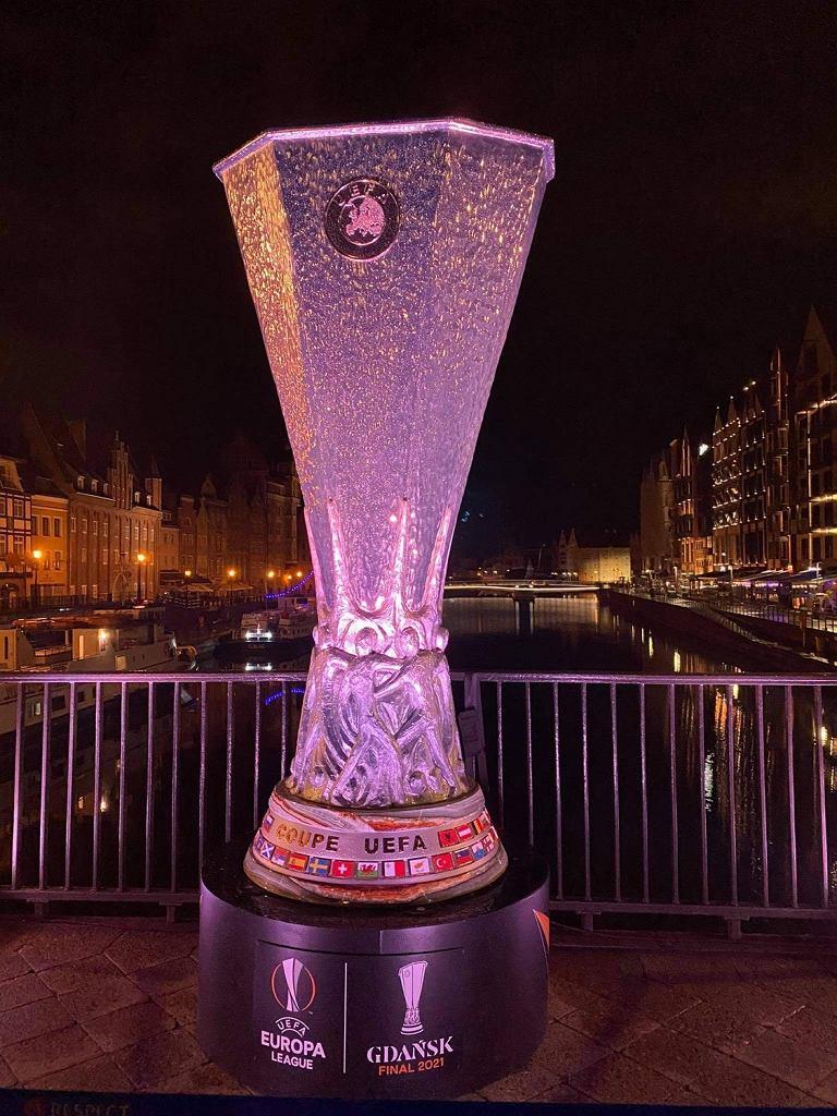 Replika pucharu za wygranie Ligi Europy