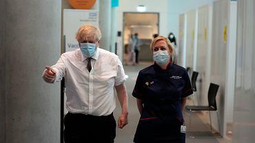 Zaniepokojenie w Wielkiej Brytanii. Media: Rząd rozważa alternatywne opcje wobec zniesienia restrykcji