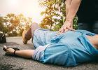 Resuscytacja krążeniowo-oddechowa - co to takiego? Jak i kiedy należy ją wykonać?
