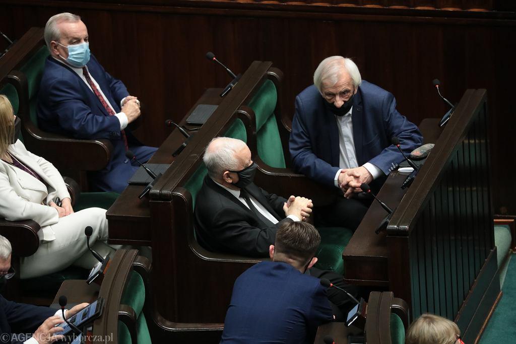 Jarosław Kaczyński i Ryszard Terlecki w Sejmie