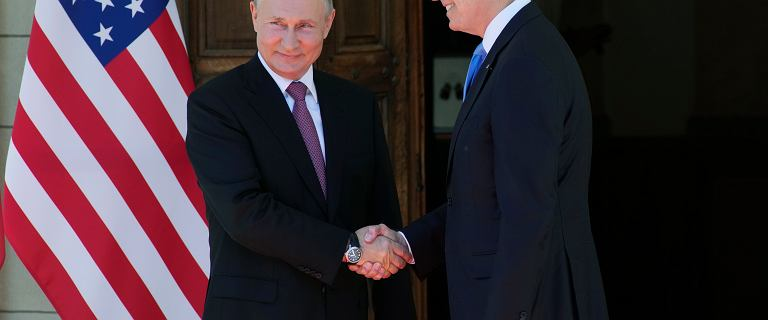 Genewa. Rozmowy Biden/Putin rozpoczęte. Przywódcy uścisnęli sobie dłonie