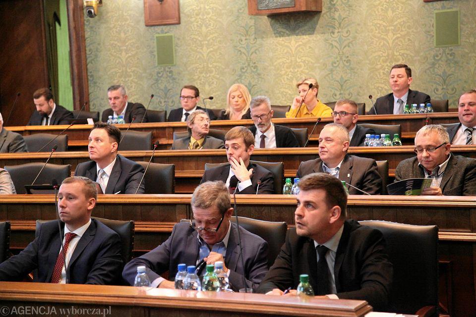 Wnioski radnych do budżetu na 2019 r. gabinety ginekologiczne, tramwaje niskopodłogowe i linia na Psie Pole.