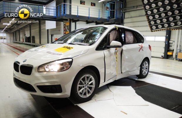 Test zderzeniowy BMW serii 2 Active Tourer