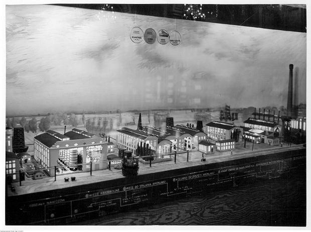 Muzeum Techniki i Przemysłu w Warszawie w 1936 r. Fragment nowo otwartej sali im. Prezydenta Ignacego Mościckiego.