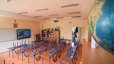 Dyrektorzy szkół zaczynają się buntować. Zawieszają zajęcia bez zgody sanepidu (zdjęcie ilustracyje)