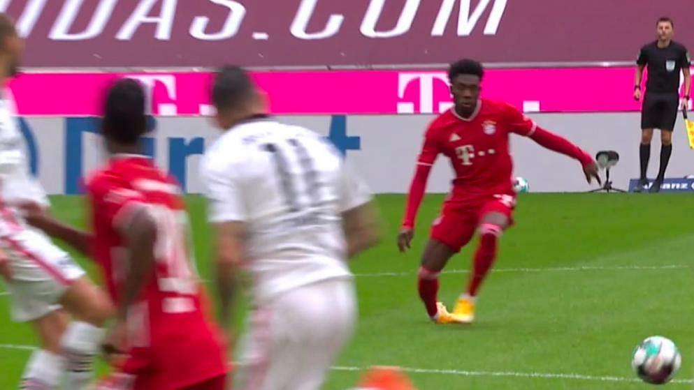 Alphonso Davies doznał fatalnej kontuzji z Eintrachtem Frankfurt