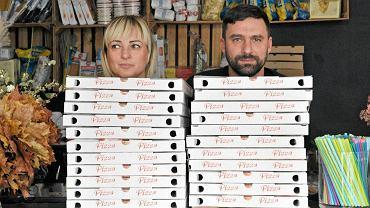 Monika Lenart i Tomasz Pieprzyk, właściciele włoskiej restauracji LenArte liczą, że sprzedaż dań na wynos nieco zmniejszy straty lokalu