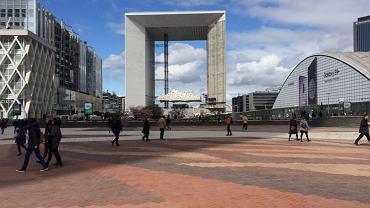 Paryż, centrum finansowe La Defense