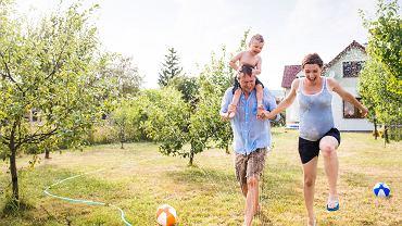 Jak żyją podmiejskie rodziny z dziećmi?