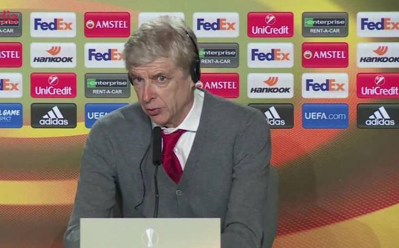 Arsene Wenger na konferencji prasowej