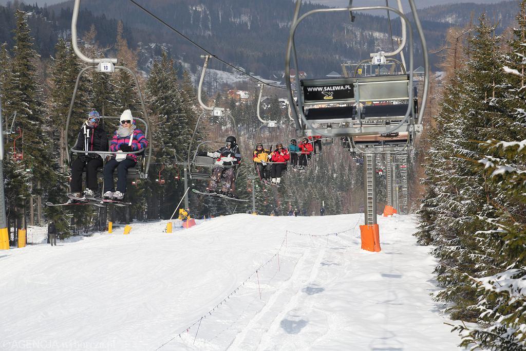 Wyciąg narciarski / zdjęcie ilustracyjne