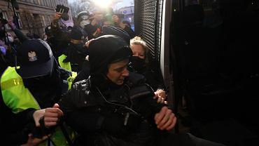 Fotoreporterka Agata Grzybowska została zatrzymana w czasie protestów pod MEN
