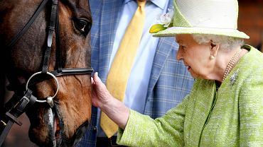 93-letnia królowa Elżbieta II udała się na przejażdżkę konną. Brytyjska prasa zachwycona: