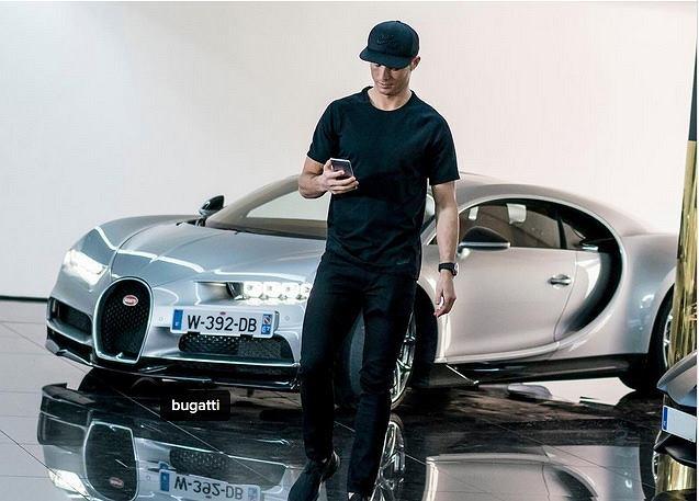 Cristiano Ronaldo testuje Bugatti Chiron