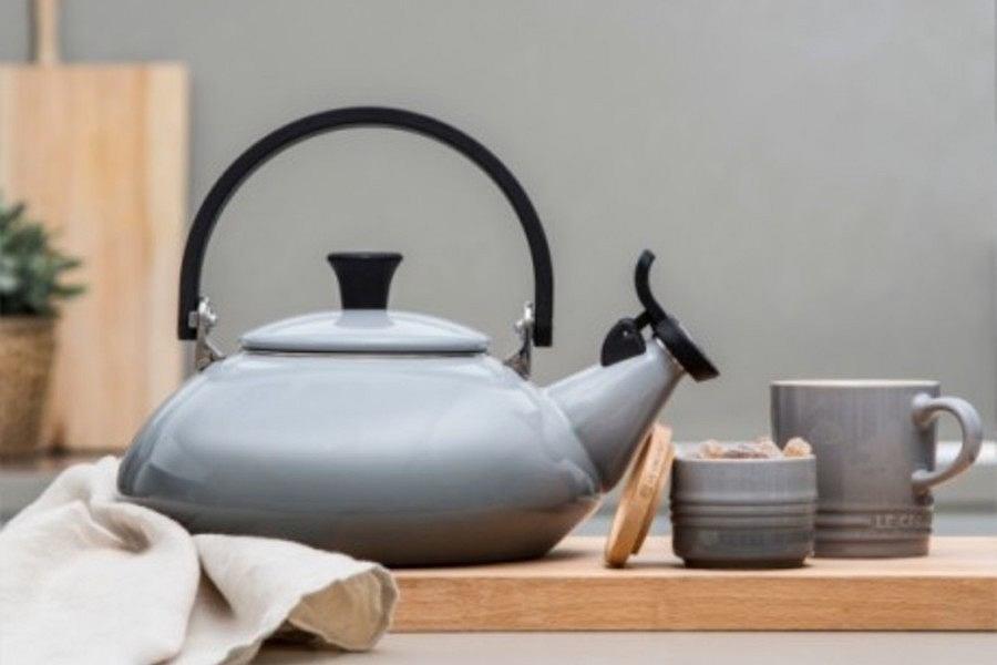 Czajnik Zen Le Creuset to przykład minimalistycznego wzornictwa o niebanalnej formie