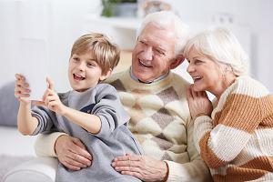 Laurka na Dzień Babci i Dziadka: przydatne podpowiedzi, jak wykonać upominek dla dziadków