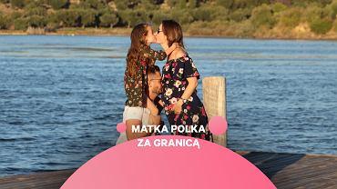 Roksana Nowak, autorka strony Albania po polsku, razem z mężem i córką