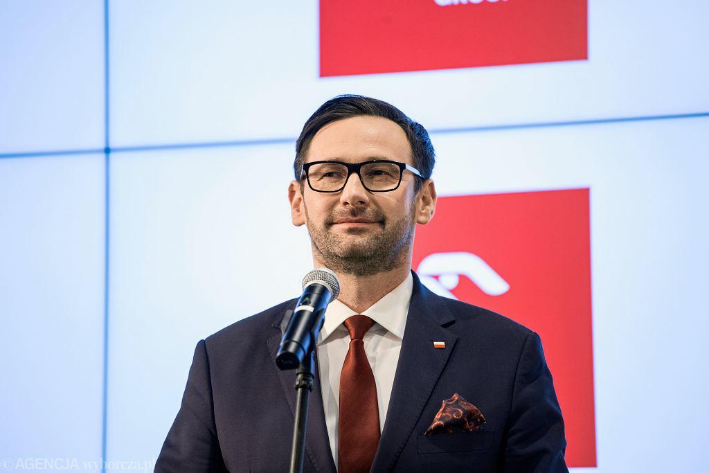 Kaczyński: 'Obajtek to nadzieja dla Polski'. Opozycja pyta, czy Morawiecki jest już spakowany?