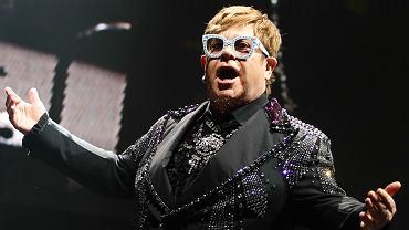 Elton John podczas koncertu w Krakowie