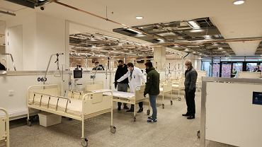 Szpital polowy dla chorych na covid-19 na Stadionie Narodowym