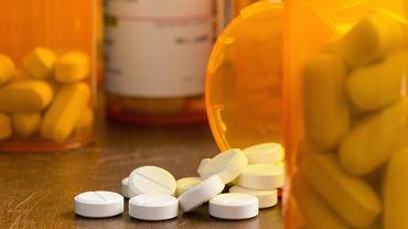 Kiedy i jak stosować leki przeciwbólowe, by nie szkodziły? Rodzaje leków przeciwbólowych
