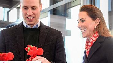 Księżna Kate w modnej stylizacji podczas wizyty w Irlandii