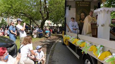Mobilna procesja Bożego Ciała w Olsztynie
