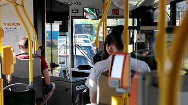 Poznańskie autobusy będą prowadzone przez Hindusów z Dubaju