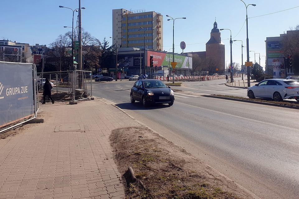 Środa, 10 marca 2021 r. Centrum Gorzowa, wkrótce rozpocznie się tu przebudowa skrzyżowania ulic Chrobrego, Wybickiego i Jagiełły