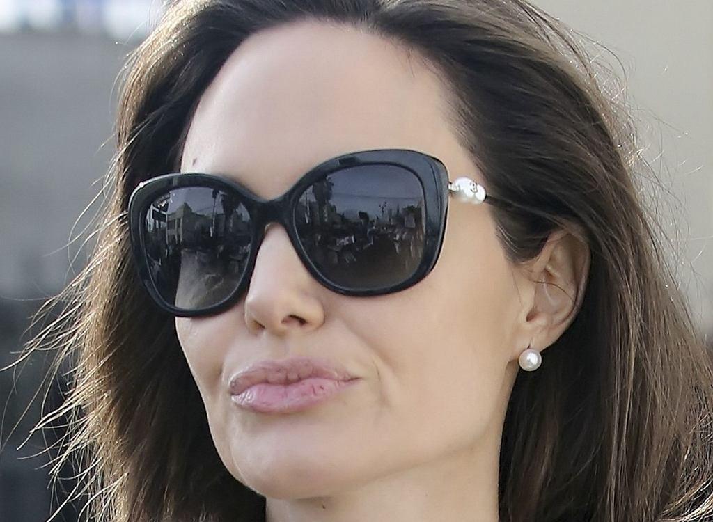 Mówią, że Angelina Jolie robi takie piekło z rozwodu, że jej prawniczka rzuciła pracę. Rzecznik komentuje