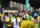 """Prezydent Brazylii na wiecu zwolenników wojskowej dyktatury. """"Jestem tu, bo wierzę w was!"""""""