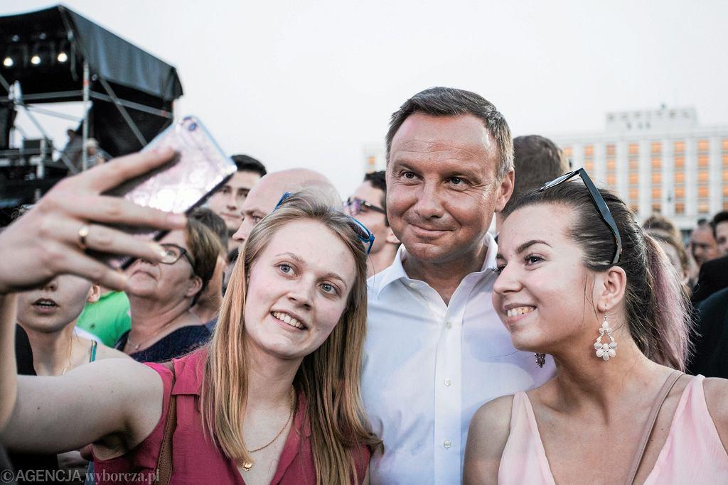 Prezydent z fankami, Warszawa 2017