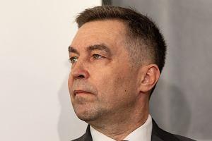 Polsat News nieoficjalnie: Wiceminister z partii Gowina namawia posłów do przejścia do PiS