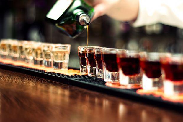 Nadużywanie przez lata alkoholu może doprowadzić do rozwoju zespołu Korsakowa, nazywanego też psychozą Korsakowa