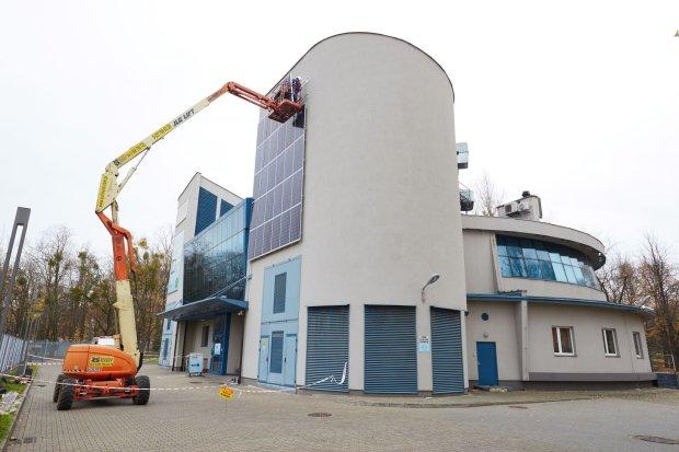 RWE stawia na zdrowy prąd z... elewacji warszawskich budynków
