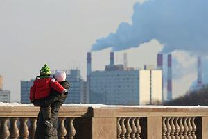 """Raport """"Polskie przedszkola w smogu"""" ujawnia, w jakich warunkach dorastają dzieci. Jest naprawdę źle"""