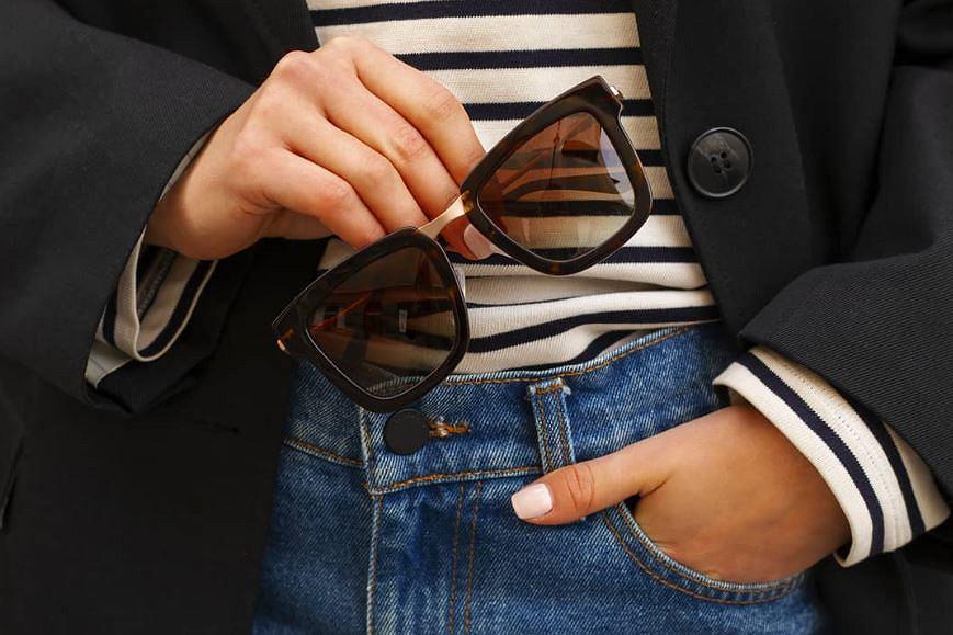 Okulary przeciwsłoneczne z kwadratowymi oprawkami