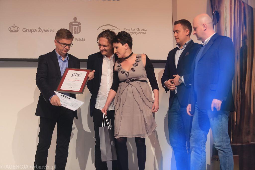Gala Finałowa Grand Press 2014 w Warszawie. Na zdjęciu ówczesny redaktor naczelny Sylwester Latkowski i dziennikarze