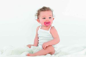 Hit CURAPROX dla każdego maluszka. Dlaczego warto wybrać smoczki Curaprox Baby?
