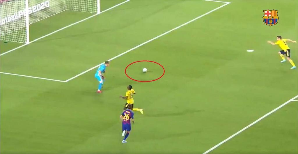 FC Barcelona wygrała z Arsenalem. Kuriozalny gol samobójczy obrońcy 'Kanonierów'