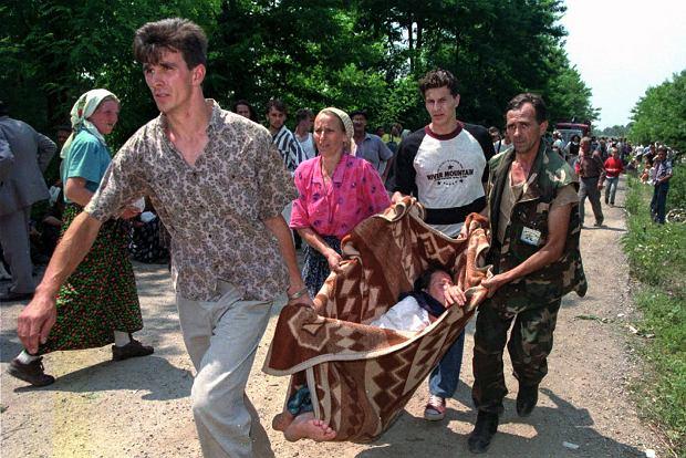 Uchodźcy niedaleko Tuzli, zdj. z 13 lipca 1995 roku