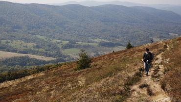 Wybraliśmy pięć szlaków w polskich górach na jesienną wycieczkę