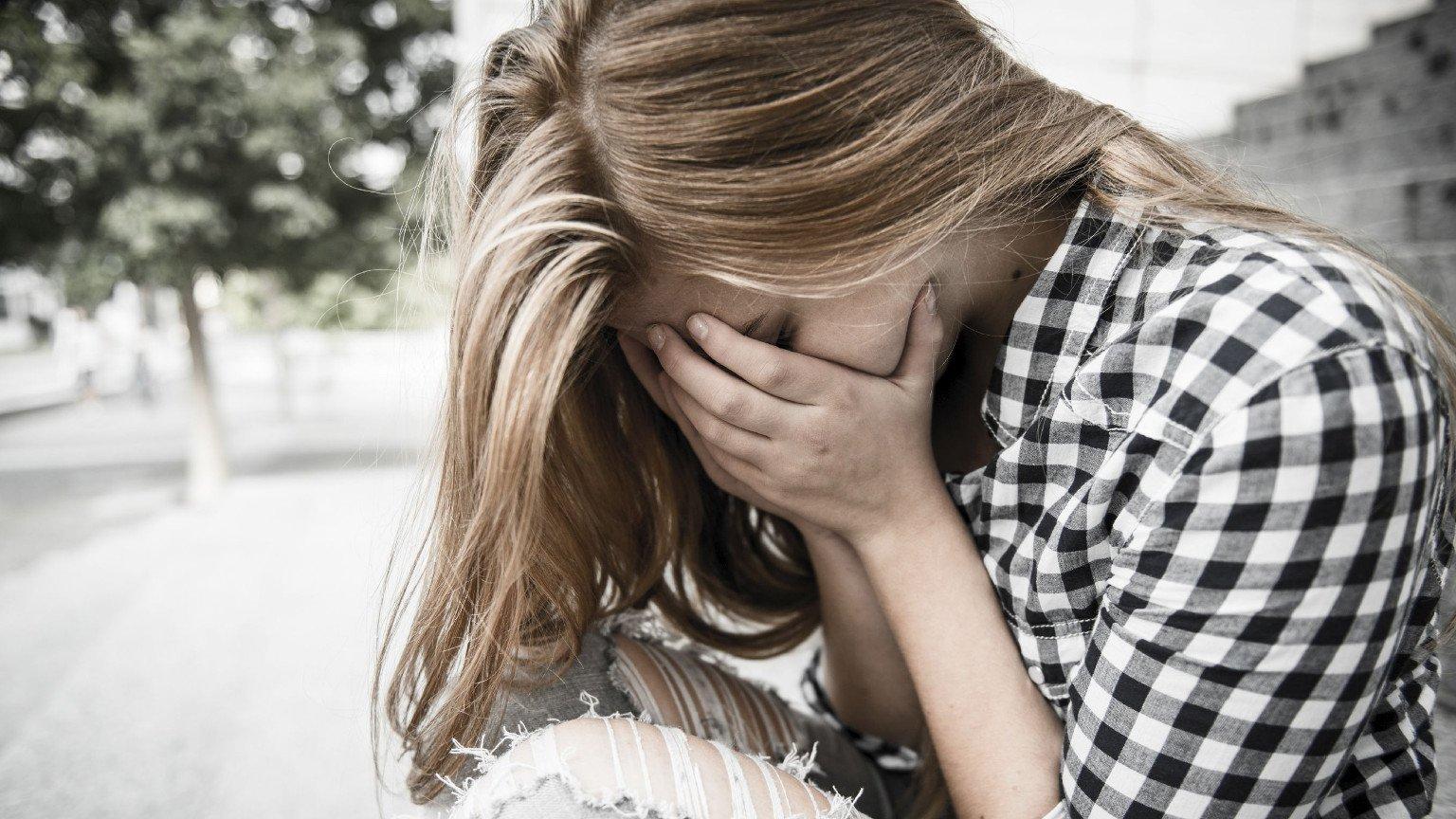 Spotyka się z dziewczyną z chorobą psychiczną