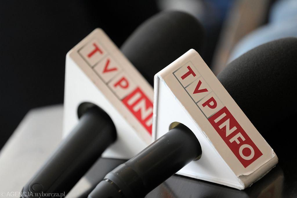 Grzegorz Schetyna chce zawiesić bojkot TVP Info przez polityków Platformy. Zdjęcie ilustracyjne