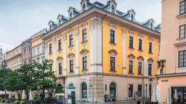 Bank Pekao SA wystawia na sprzedaż kamienicę u zbiegu ul Floriańskiej oraz Rynku Głównego w Krakowie