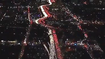Korek w Los Angeles w żartach przedstawiono jako uczczenie 100-lecia odzyskania niepodległości przez Polskę