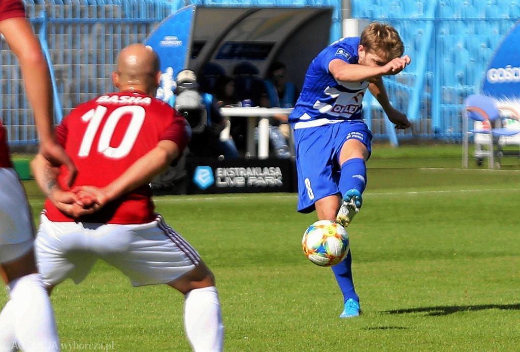 Dominik Furman w meczu Wisły Płock z Wisłą Kraków (2:1)